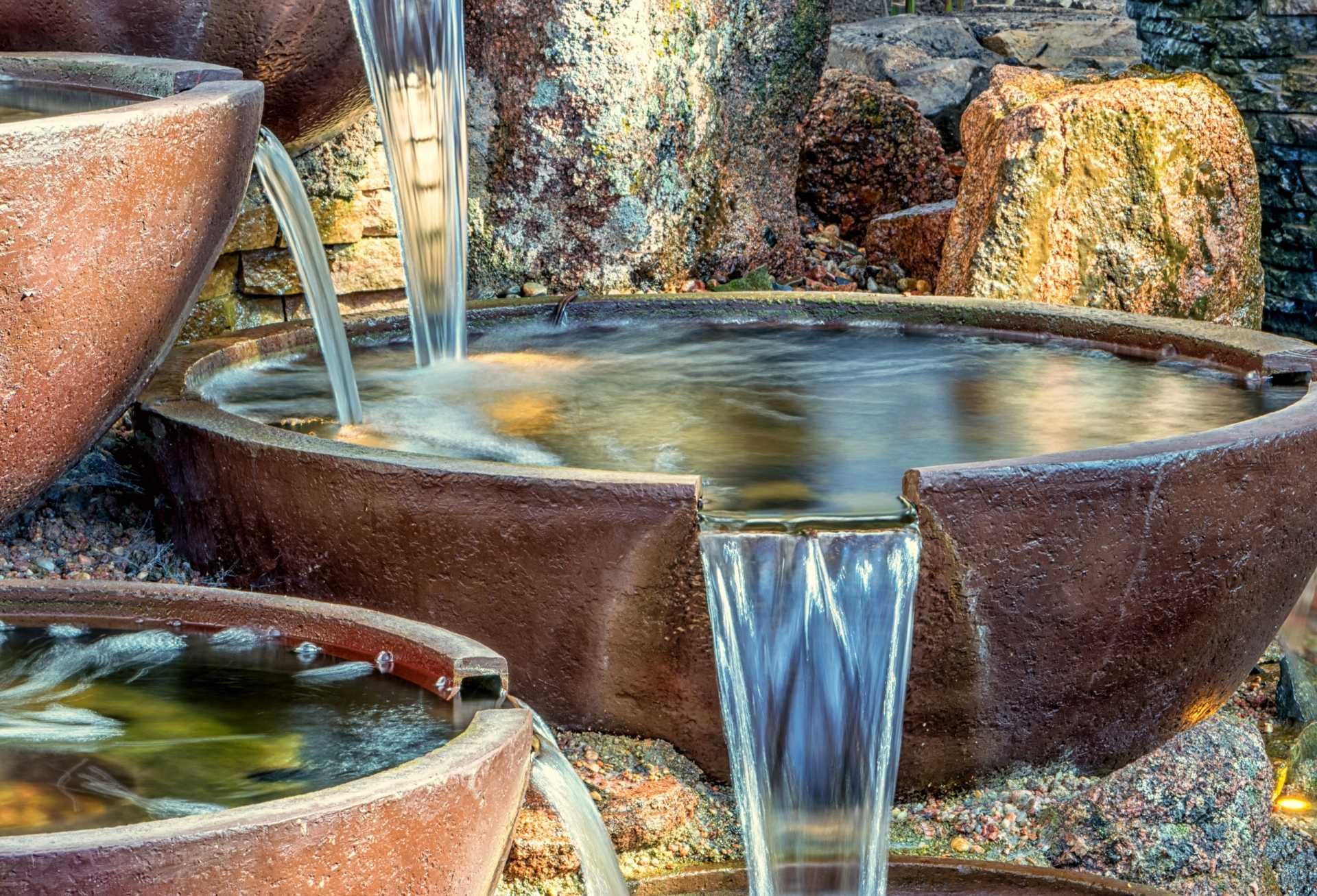 2 Gartenbrunnen für eine effiziente Bewässerung des Außenbereichs