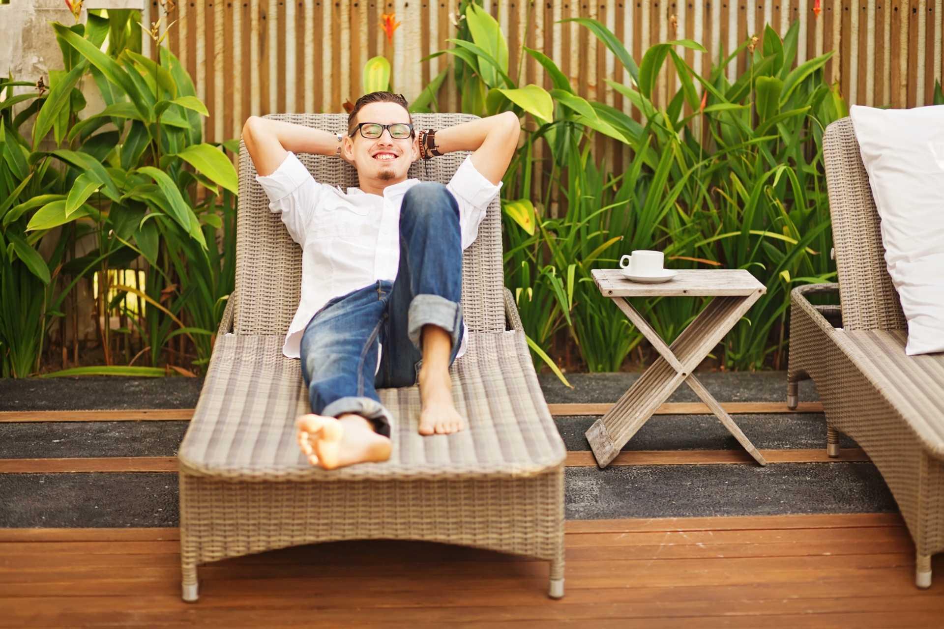Die 5 besten Planen, um Gartenmöbel wetterfest abdecken zu können