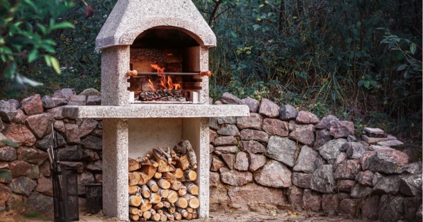 Ein günstiger Gartenkamin für die Terrasse kann ein wunderschönes Design-Objekt in Ihrem Traumgarten sein.