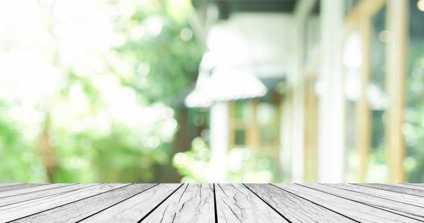 HPL Platten eignen sich durch ihre Beständigkeit ideal für den Garten.