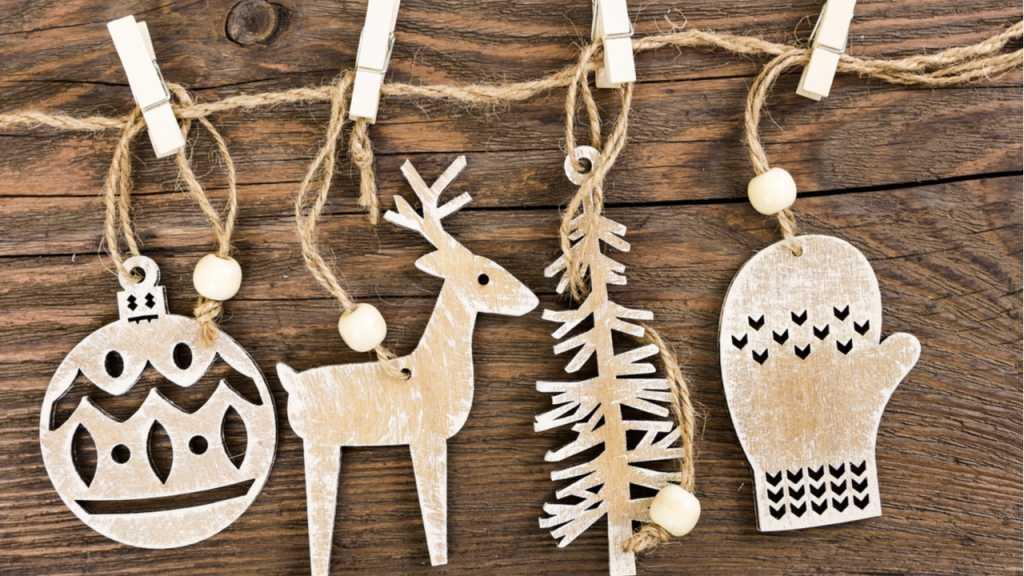 Holzfiguren, die selbst ausgesägt werden können, sind eine tolle Weihnachtsdeko.