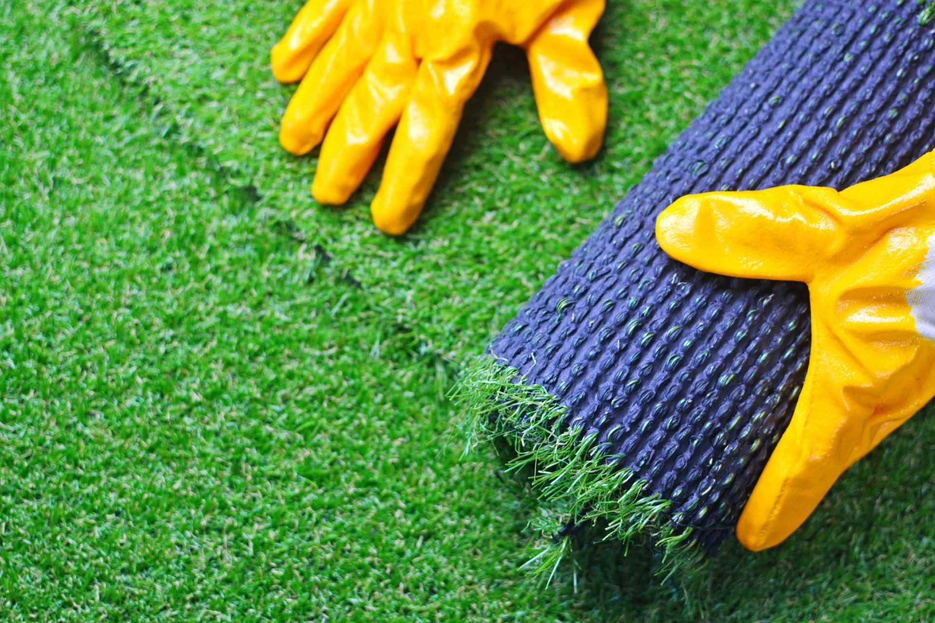 3 Kunstrasen für den Garten, die direkt eine wunderschöne Grünfläche garantieren