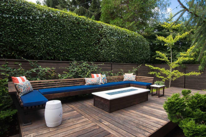 Terrassen als Ruhezone im Garten