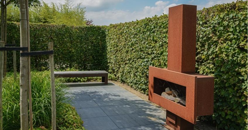 Ein Design-Gartenkamin sieht natürlich schon aus, kostet oft aber auch mehr als die fertigen Bausätze.