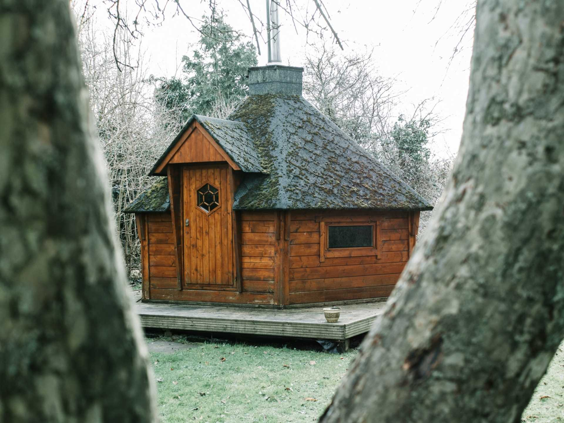 Die Sauna im heimischen Garten: Tipps rund um das eigene Saunahaus