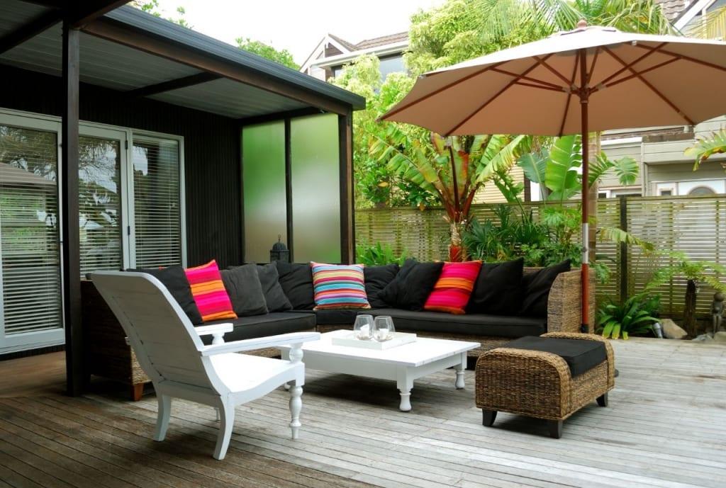 Ein Pavillon ist eine beliebte Art der Terrassenüberdachung.