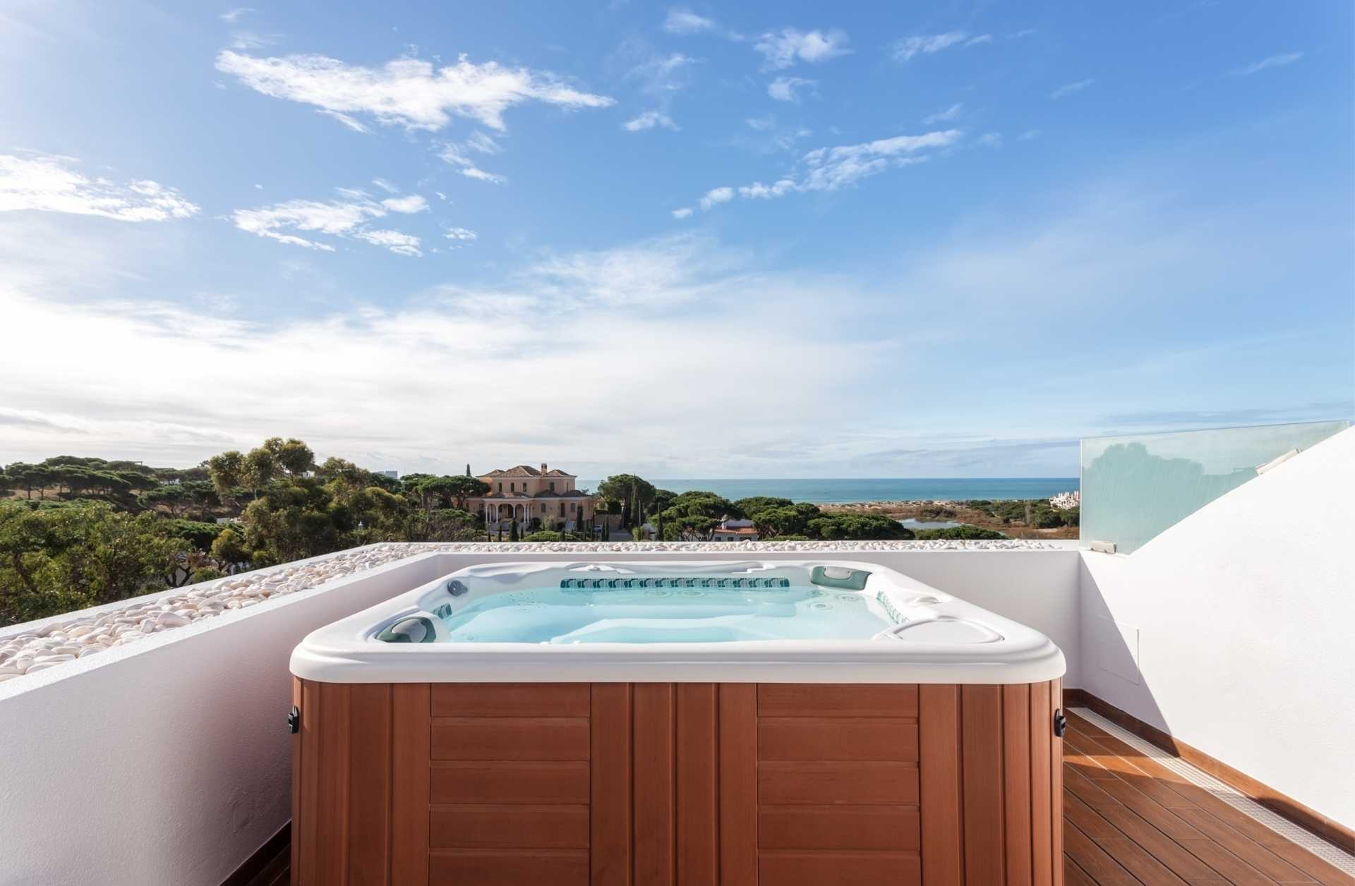 6 Whirlpools für luxuriöse und entspannende Momente im Außenbereich
